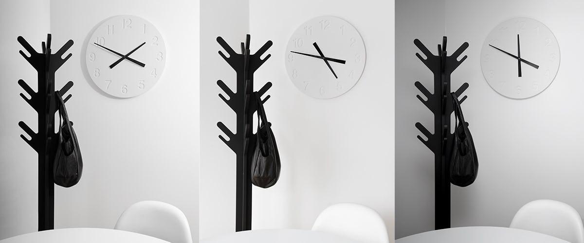 CHIAROSCURO CLOCK WHITE